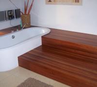 Kirschbaum-Badezimmer