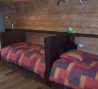 Betten in Reihenbauweise
