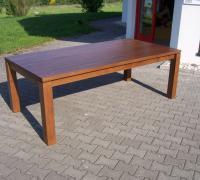 Tisch mit Ansteckplatten