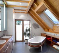 Badezimmer aus Kirschbaum